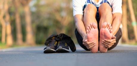 chạy bộ bị đau chân