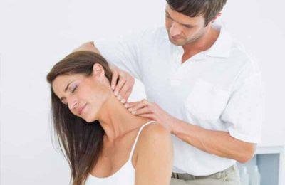 cách xoa bóp chữa đau vai gáy