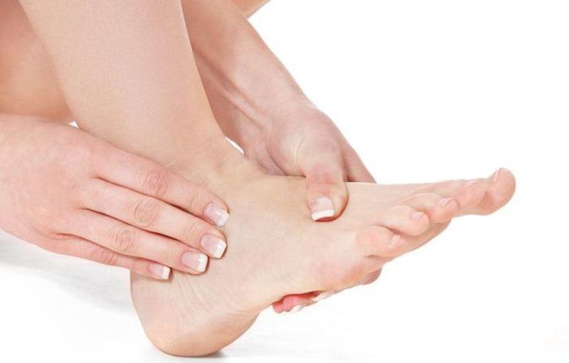 Tê tay chân trái là bệnh gì